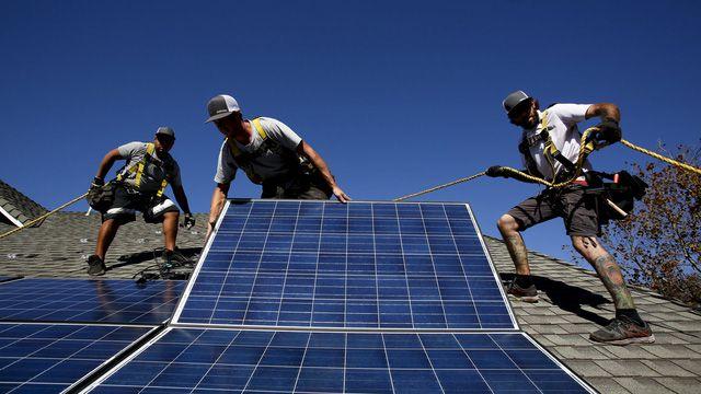 Thành phố đầu tiên trên thế giới bắt buộc dân lắp pin mặt trời trên nóc nhà