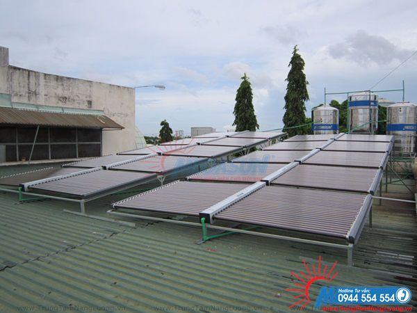 Máy nước nóng năng lượng mặt trời là giải pháp tối ưu cho bài toán tiết kiệm chi tiêu cho mỗi gia đình.