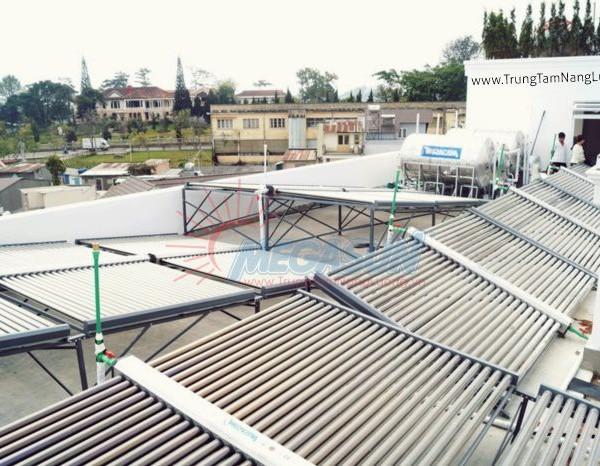 Hệ thống máy nước nóng NLMT Khách sạn Ngọc Phát – Đà Lạt