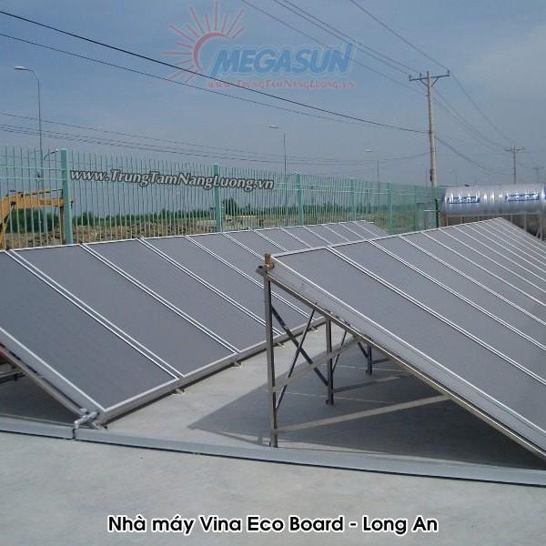 Hệ thống máy nước nóng năng lượng mặt trời tập trung của Megasun tại Nhà máy gỗ Vina Eco Board – Long An