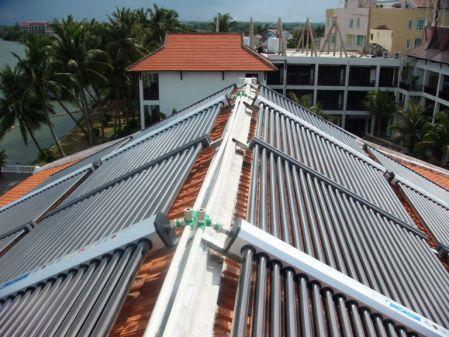 Resort cao cấp – Công ty CP Dịch vụ – Du lịch Hội An sử dụng hệ thống máy nước nóng năng lượng mặt trời MEGASUN công suất 7000 lít kết hợp bơm nhiệt dự phòng.