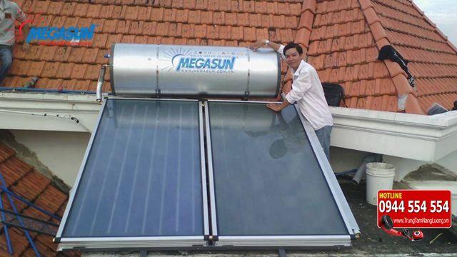 Máy nước nóng năng lượng mặt trời dung tích bao nhiêu là phù hợp?