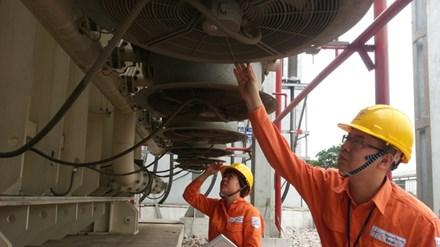 Dự báo từ năm 2018, miền Nam sẽ phải đối mặt với nguy cơ thiếu điện. Ảnh: Hoa Việt Cường.